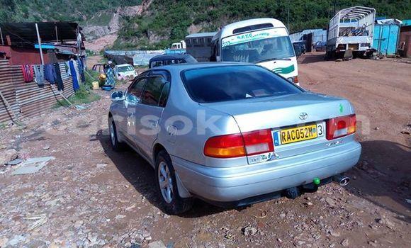 Acheter Occasion Voiture Toyota Carina Gris à Gicumbi au Rwanda