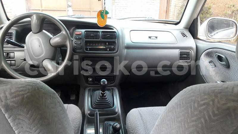 Big with watermark roberto grand vitara 0788308912 2001 6 500 000 negotiable 4 manual