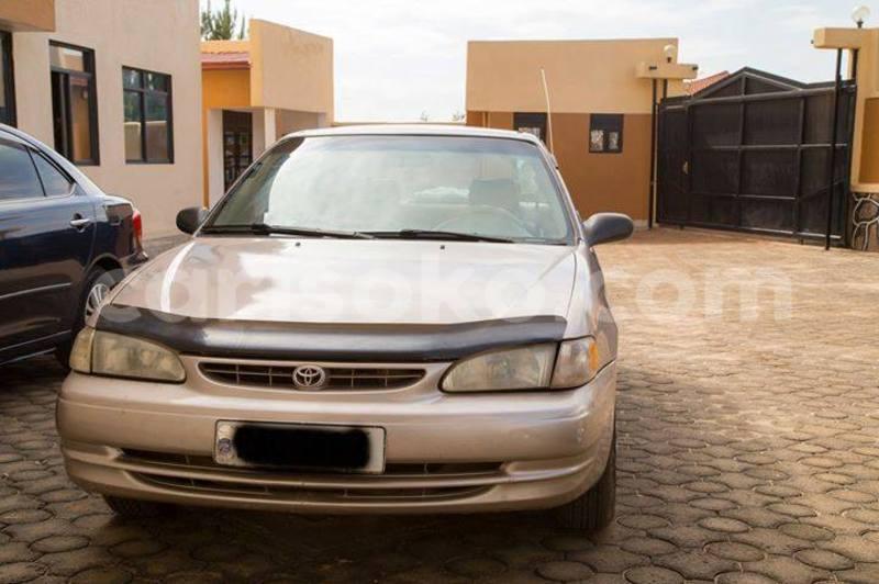 Big with watermark corolla 2001 pauline b 0781931663 5000usd 150k auto
