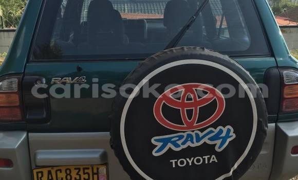 Acheter Occasion Voiture Toyota RAV4 Vert à Gicumbi au Rwanda