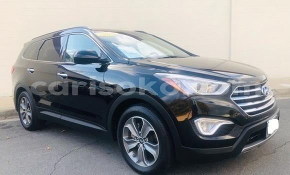 Gura Yakoze Hyundai Santa Fe Black Imodoka i Kigali mu Rwanda