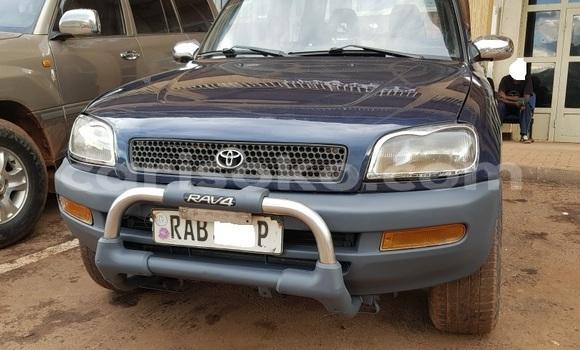 Acheter Occasion Voiture Toyota RAV4 Vert à Kigali, Rwanda