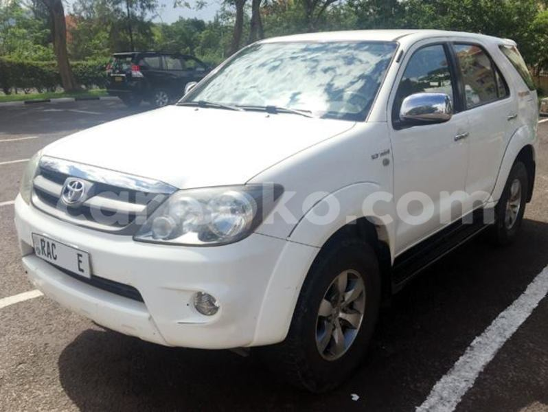 Big with watermark 4ae73d5f5f8d fortuner sr5 2010 17 m