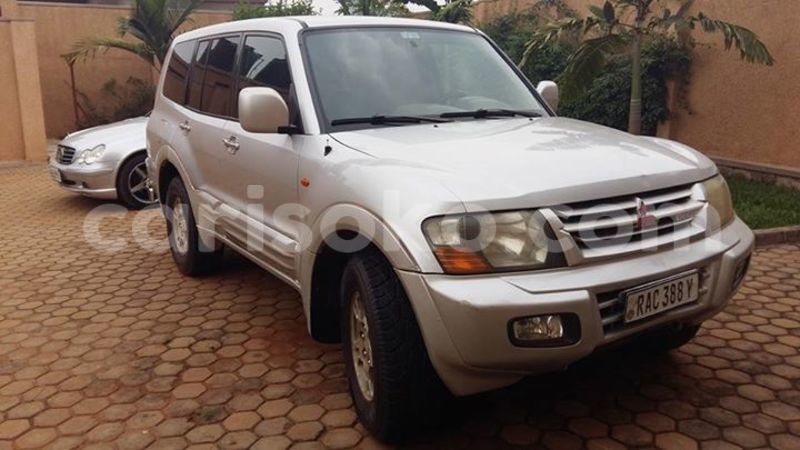 Big with watermark christian 0788358076 9m 186k pajero 2000