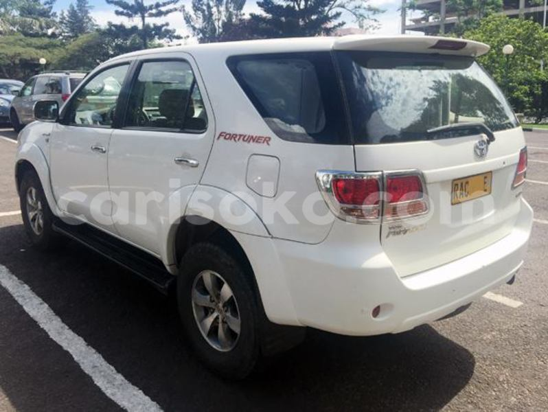 Big with watermark 2cf8e51f1d7b fortuner sr5 2010 17 m 2
