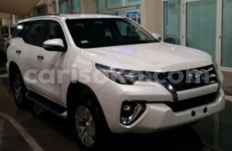 Big with watermark uhcar deal ltd fortuner 2017 0k 49m 250785026788 3