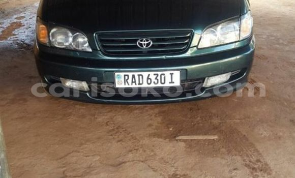 Buy Used Toyota Picnic Green Car in Gicumbi in Rwanda