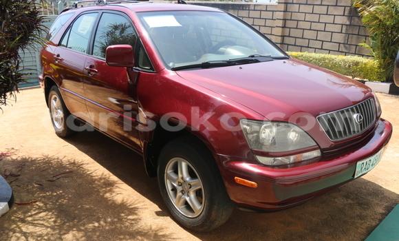 Acheter Occasions Voiture Lexus RX 300 Rouge à Kigali au Rwanda