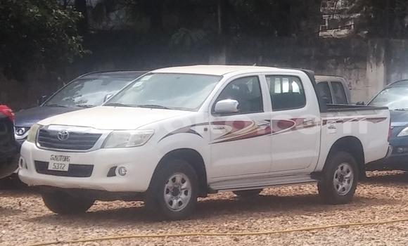 Acheter Occasion Voiture Toyota Hilux Blanc à Kigali, Rwanda