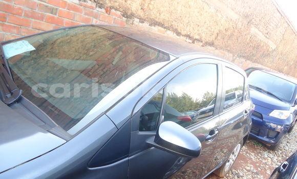 Acheter Occasion Voiture Toyota Yaris Bleu à Kigali, Rwanda