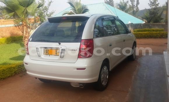 Acheter Occasion Voiture Toyota Ipsum Blanc à Kigali, Rwanda