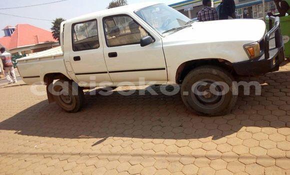 Acheter Occasion Voiture Toyota Pickup Blanc à Gicumbi au Rwanda