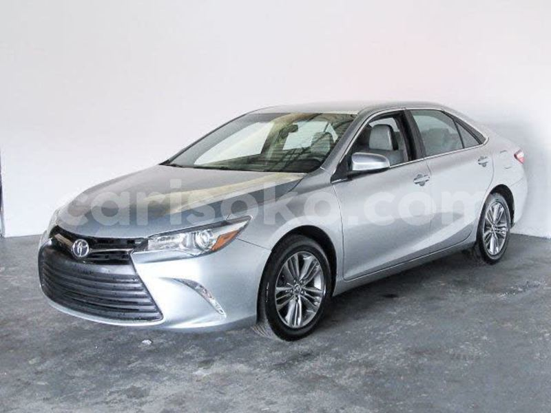 Big with watermark 2016 toyota camry pic 4371976213343714895 1024x768
