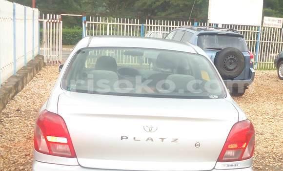 Acheter Neuf Voiture Toyota Platz Gris à Kigali au Rwanda
