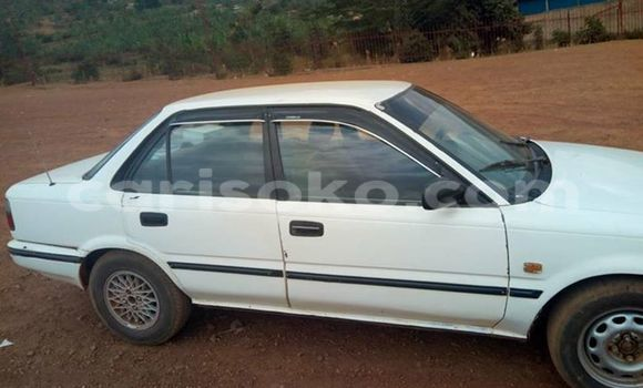 Acheter Occasion Voiture Toyota Corolla Blanc à Gicumbi au Rwanda