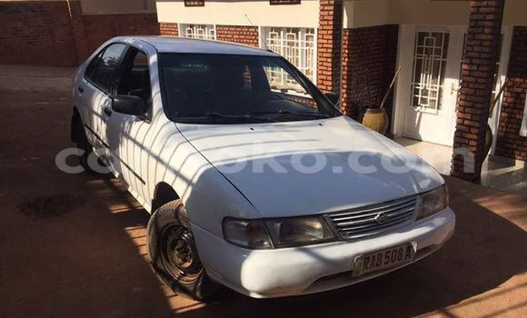 Buy Used Nissan Sunny White Car in Gicumbi in Rwanda