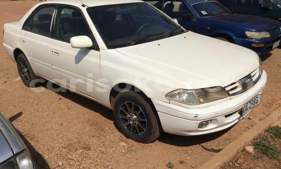 Acheter Occasion Voiture Toyota Carina Blanc à Kigali au Rwanda