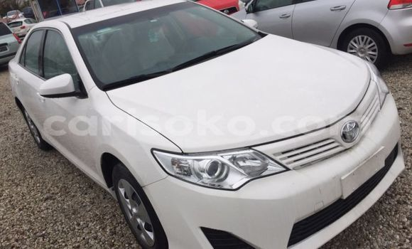Acheter Occasion Voiture Toyota Camry Blanc à Kigali au Rwanda