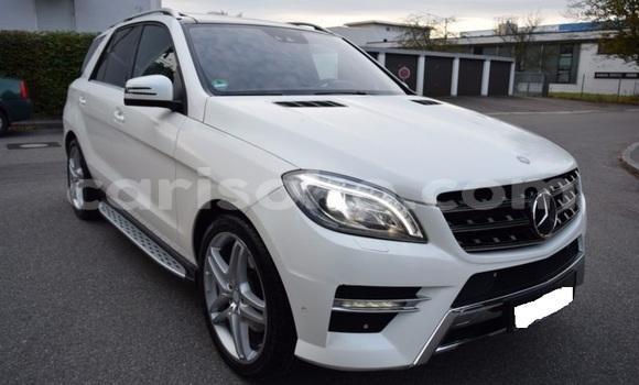 Acheter Occasion Voiture Mercedes‒Benz ML-Class Blanc à Kigali au Rwanda