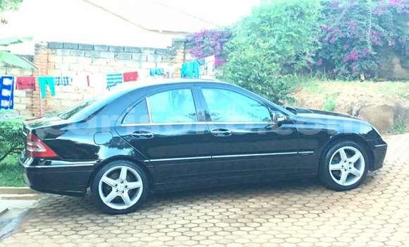 Acheter Occasion Voiture Mercedes‒Benz KOMPRESSOR Noir à Kigali au Rwanda