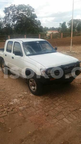 Big with watermark hilux 2002 diesel 8 5m 0788357787