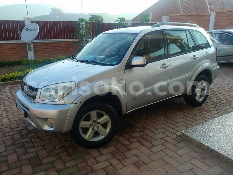 Big with watermark rav4 auto 2004 10m negot braddock 0788357787