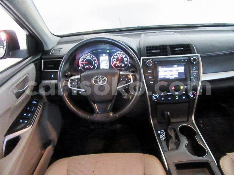 Big with watermark 2016 toyota camry pic 7472226616814479269 1024x768