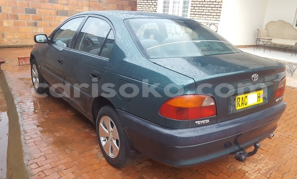 Acheter Occasion Voiture Toyota Avensis Vert à Kigali au Rwanda