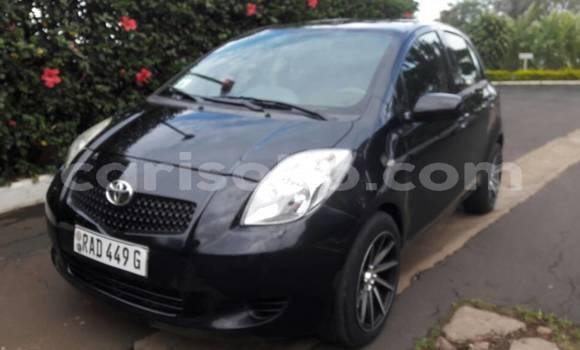 Acheter Occasions Voiture Toyota Yaris Noir à Kigali au Rwanda