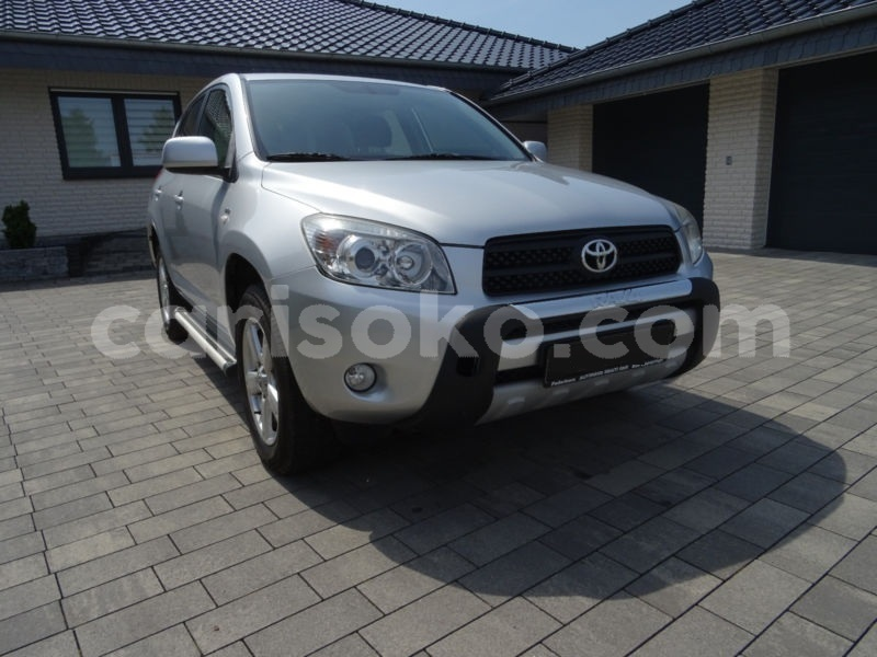 Big with watermark toyota rav 4 08 1