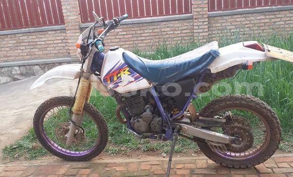 Acheter Occasion Moto Yamaha TTR 110 Blanc à Kigali au Rwanda