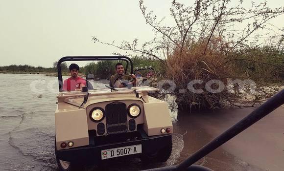 Buy Used Land Rover Defender Beige Car in Kigali in Rwanda