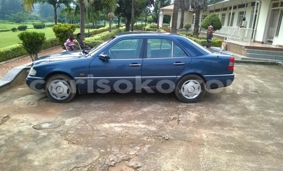 Acheter Occasions Voiture Mercedes‒Benz 200 Bleu à Kigali au Rwanda