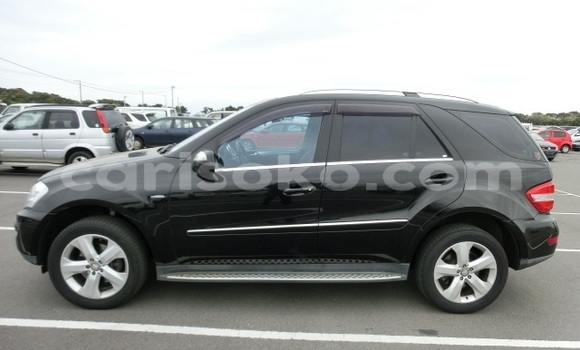 Buy Used Mercedes‒Benz ML–Class Black Car in Kigali in Rwanda