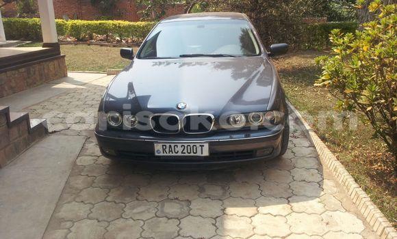 Acheter Neuf Voiture BMW 3-Series Noir à Kigali au Rwanda