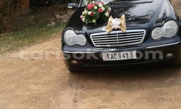 Acheter Occasion Voiture Mercedes‒Benz 200 Noir à Kigali au Rwanda