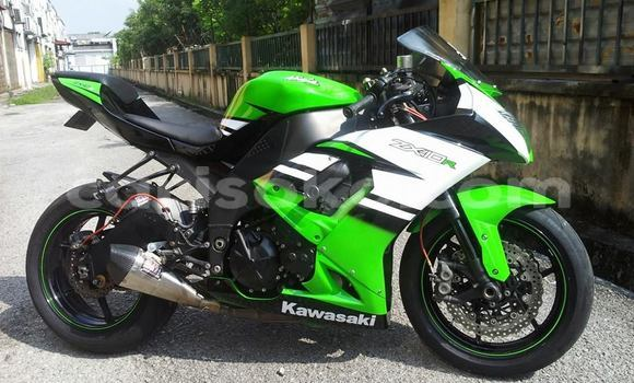 Buy Used Kawasaki ZX10R Green Bike in Gasarenda in Rwanda