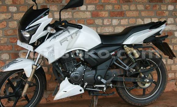 Buy Used Apache RTR White Bike in Huye in Rwanda