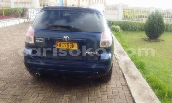 Acheter Occasion Voiture Toyota Matrix Bleu à Kigali au Rwanda
