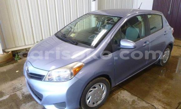 Acheter Occasion Voiture Toyota Yaris Bleu à Kigali au Rwanda