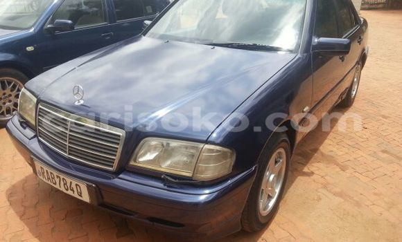 Buy Used Mercedes-Benz 200 Blue Car in Kigali in Rwanda