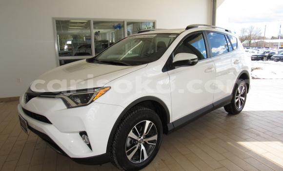 Acheter Occasion Voiture Toyota RAV4 Blanc à Kigali au Rwanda