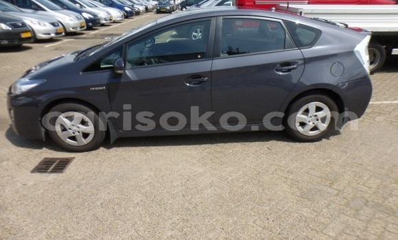 Acheter Occasion Voiture Toyota Prius Noir à Kigali au Rwanda