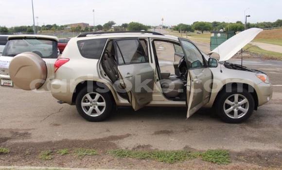 Acheter Occasions Voiture Toyota RAV4 Noir à Kigali au Rwanda