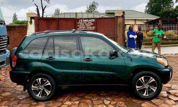 Acheter Occasion Voiture Toyota RAV4 Vert à Kigali au Rwanda