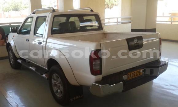 Acheter Occasion Voiture Nissan Pickup Blanc à Kigali au Rwanda