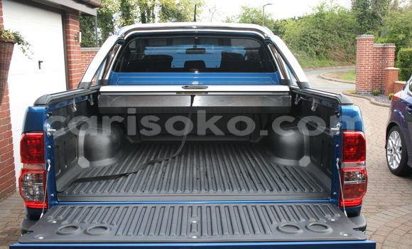 Acheter Occasions Voiture Toyota Hilux Bleu à Kigali au Rwanda