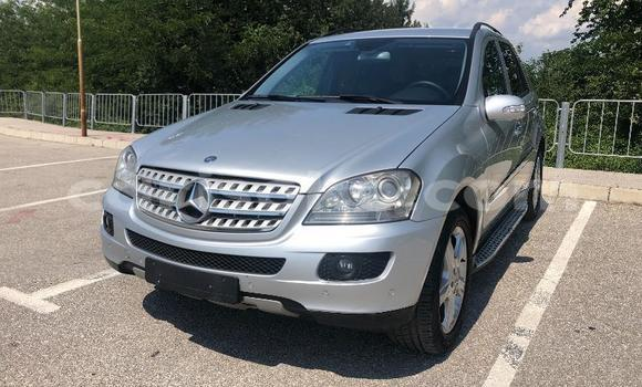 Medium with watermark mercedes benz ml%e2%80%93class rwanda kigali 10211