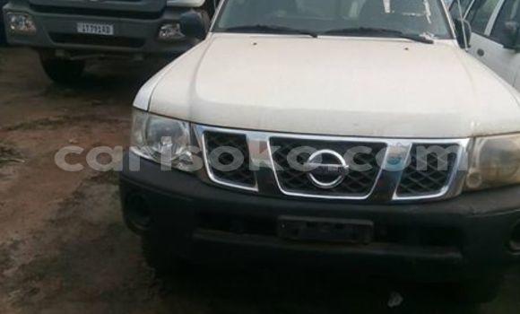 Acheter Occasions Voiture Nissan Patrol Blanc à Kigali au Rwanda