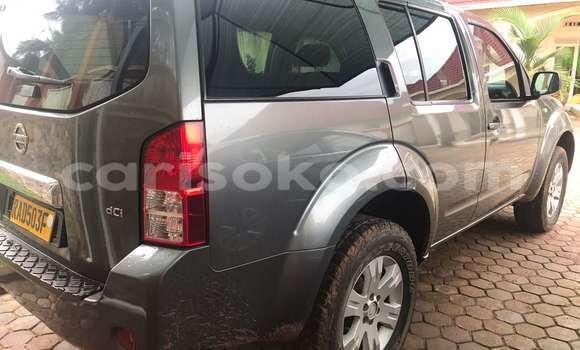Acheter Occasions Voiture Nissan Pathfinder Noir à Kigali au Rwanda